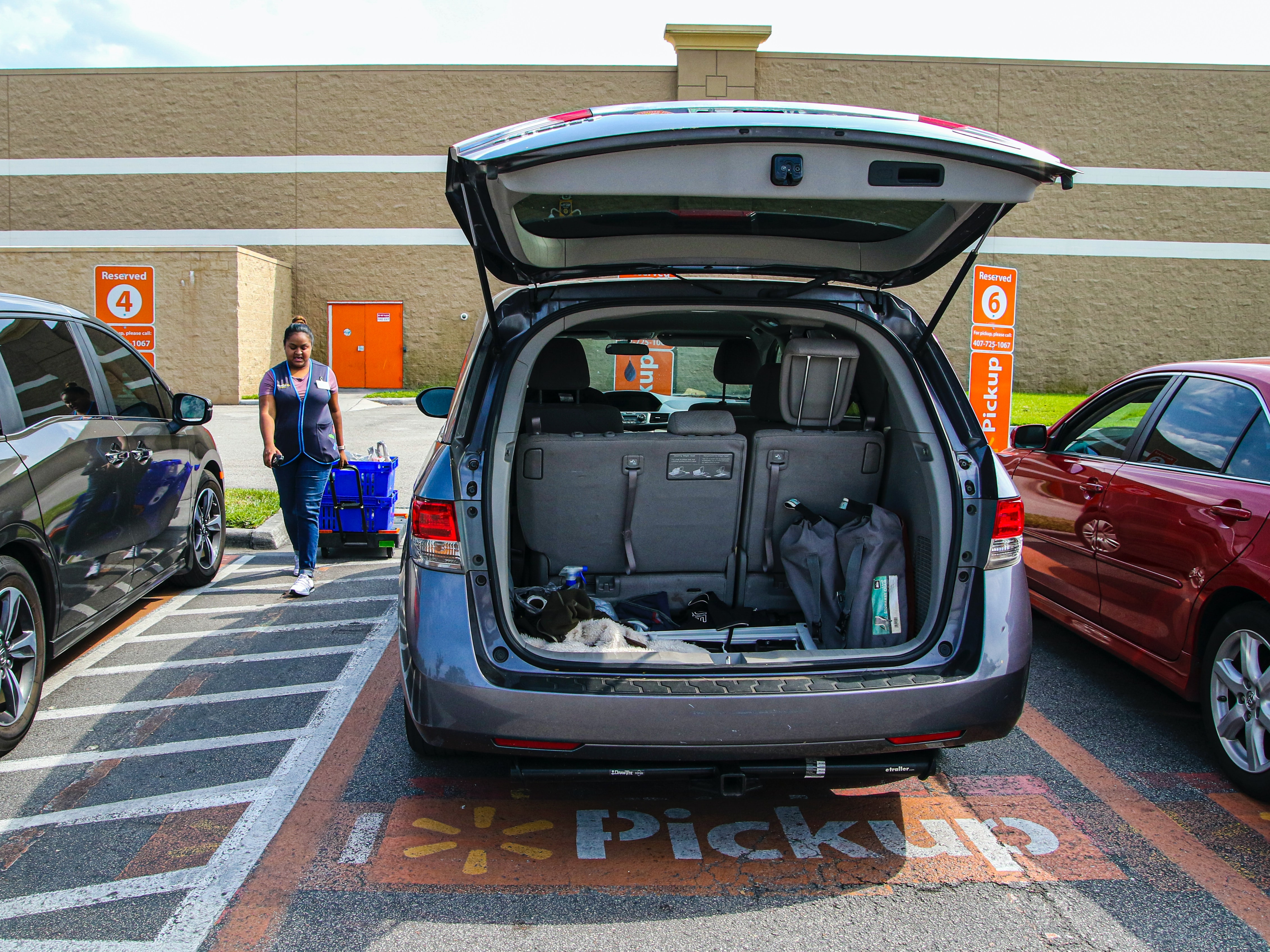 3 tips to running a successful curbside pickup